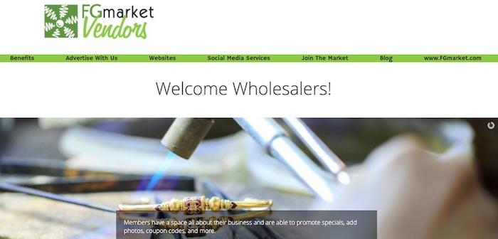 Vendeurs sur le marché des fruits et légumes