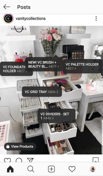 Vanity Collections a étiqueté cinq articles à vendre.